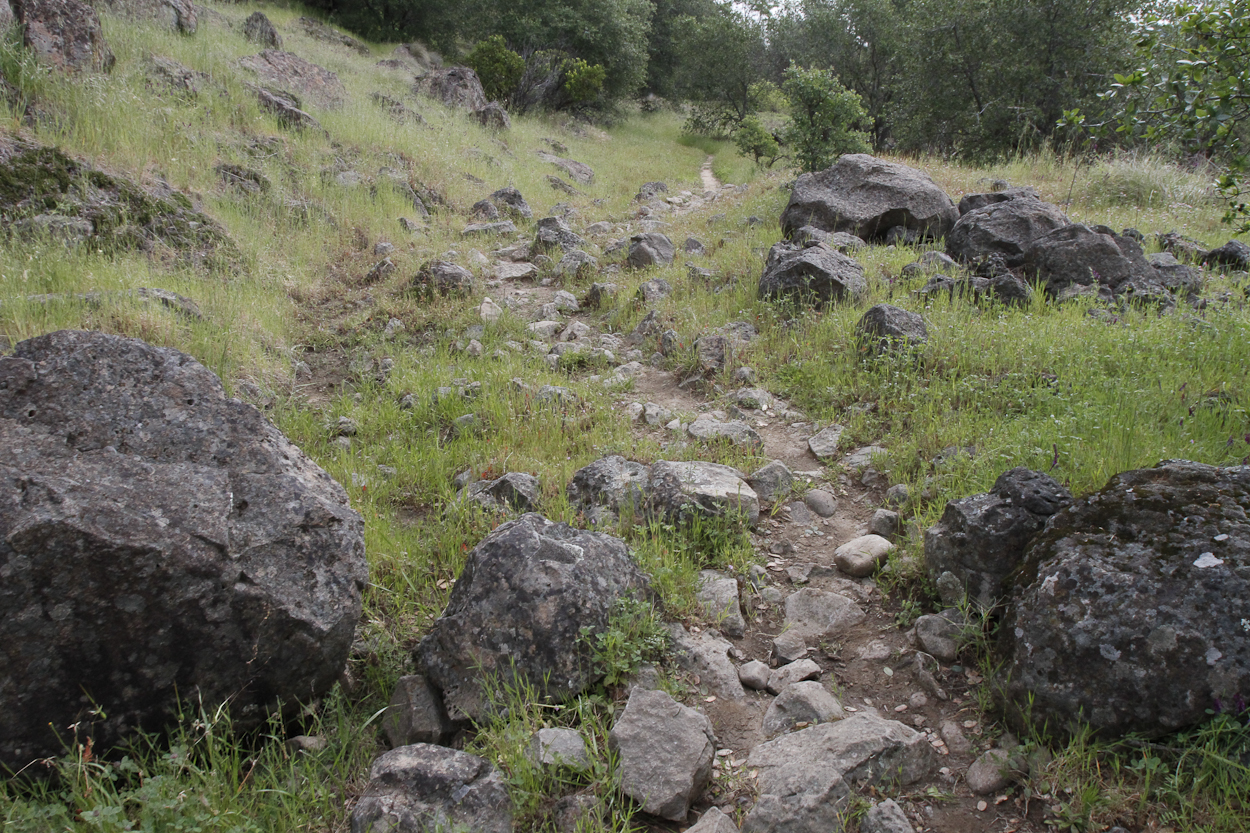 A rocky portion of the Yana Trail in the Sacramento River Bend Outstanding Natural Area. Photo by Clay Duda.